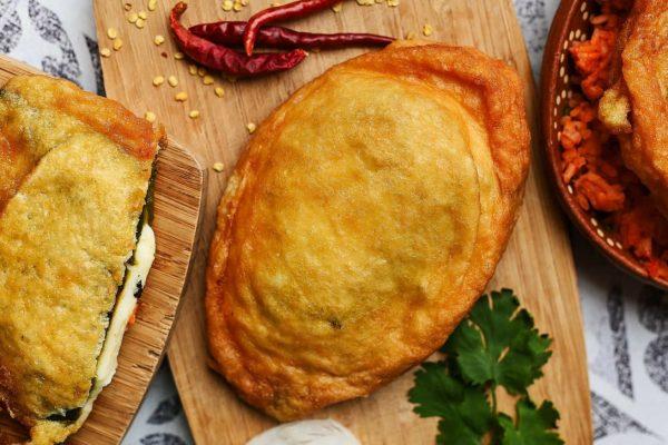 Chile relleno de queso asadero